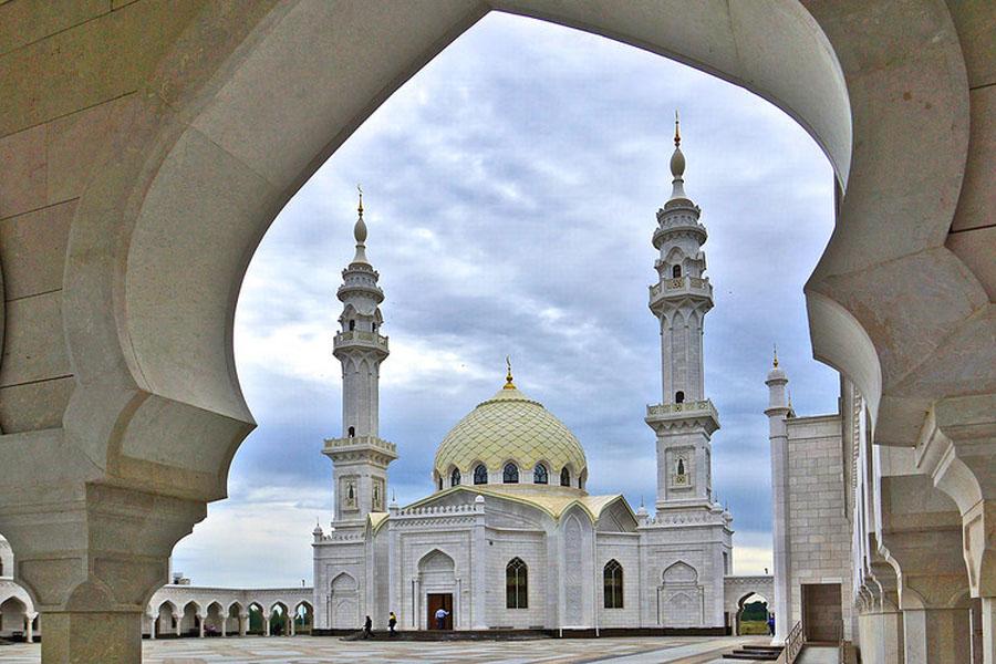 Изготовление и золочение шпилей с полумесяцами для комплекса белокаменной мечети